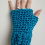 Simple and Chunky Fingerless Gloves by Dorianna Rivelli of The Lavender Chair