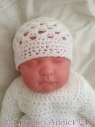 Free crochet pattern for the Bauble Newborn Hat by Crochet Addict.