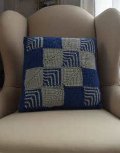 Mitered Square Pillow by Marie Segares/Underground Crafter