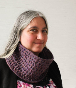 Mock Bobbles Cowl by Marie Segares/Underground Crafter
