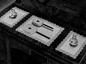 Mayflower Vanity Set #7125 by Free Vintage Crochet