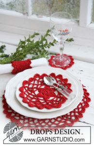 Christmas Table Mats and Napkin Ring by DROPS Design