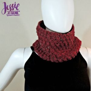 Puffed Shells Cowl by Jessie At Home