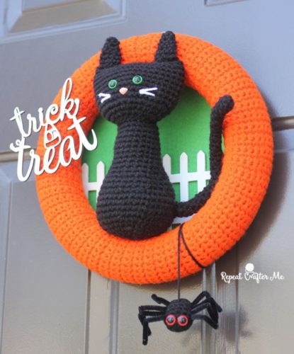 Halloween Black Cat Wreath by Repeat Crafter Me - Crochet ...