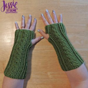 Crochet Cabled Mitts by Jessie At Home