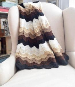Gentle Gradient Ripple Blanket by Marie Segares/Underground Crafter