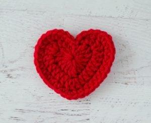 Crochet Heart by Crochet 365 Knit Too