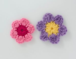 Easy Crochet Flower by Crochet 365 Knit Too