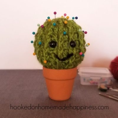 Cactus Pincushion by Hooked on Homemade Happiness