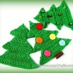 Christmas Tree Crochet Pattern by GoldenLucyCrafts