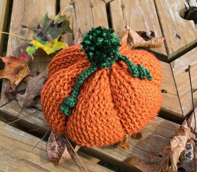 Pumpkinhead Hat by Julie Muenster/J Crochet for Underground Crafter