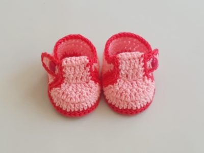 How To Make Crochet Baby Booties/Shoes by aamragul from Crochet Crosia Home