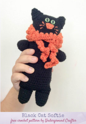 Black Cat Softie by Marie Segares from Underground Crafter