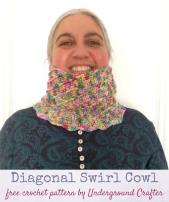 Diagonal Swirl Cowl by Marie Segares/Underground Crafter
