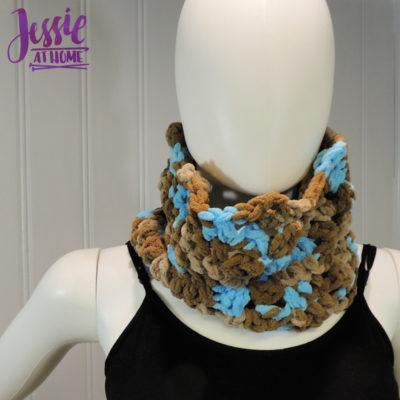 Vivian Crochet Cowl by Jessie Rayot