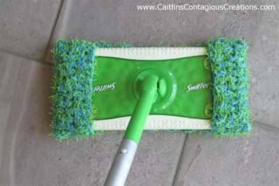 Scrubby Swiffer Pad Crochet Pattern by Caitlin's Contagious Creations