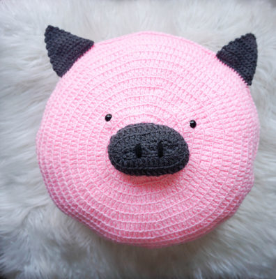 Wilbur Pig Pillow Pal by Marie/Underground Crafter