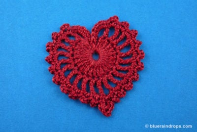 Delicate Crocheted Heart by blueraindrops