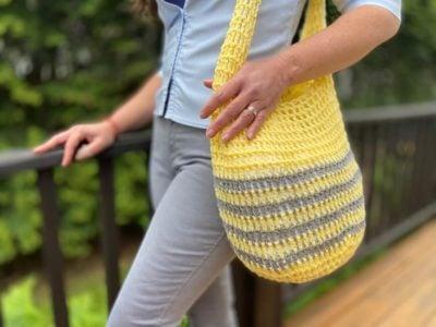 Crochet Market Bag by Viana Boenzli from maplewoodroad.com