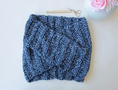 Chunky Layover Cowl by Veronika Cromwell from Blue Star Crochet Company