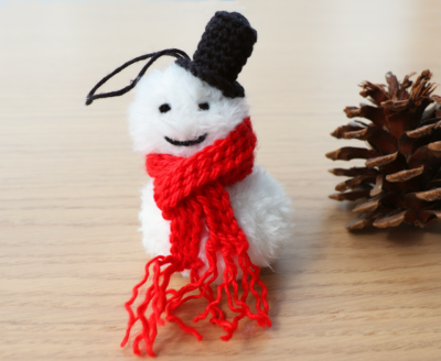 Crochet Snowman Christmas Ornament by Fluffy Stitches