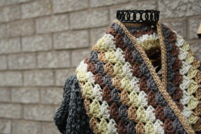 Autumn Spike Cowl by Pine Tree Crochet for Underground Crafter