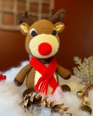Rudolph the Red Nosed Reindeer by Viana @ maplewoodroad.com