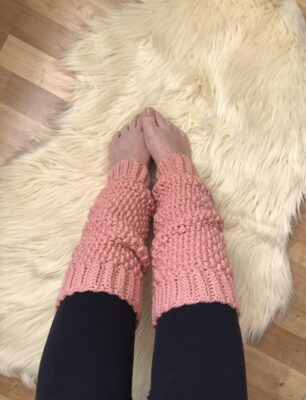 Mountain Legwarmers by Veronika Cromwell for Underground Crafter