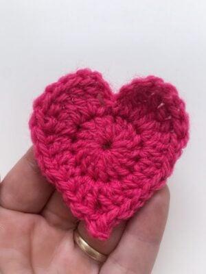 Simple Heart Appliqué by Memory Lane Crochet.