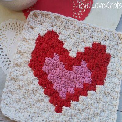 C2C Two Enamored Hearts Washcloth by Alexandra of EyeLoveKnots