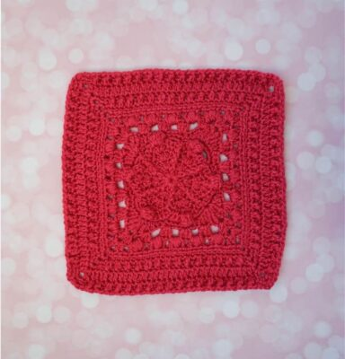 Frosted Window Square by Marie Segares/Underground Crafter. This solid colored afghan square features a beautiful lace and textured design.