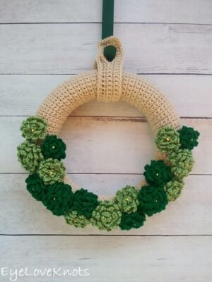 St Patrick's Day Inspired Endless Summer Wreath by Alexandra of EyeLoveKnots