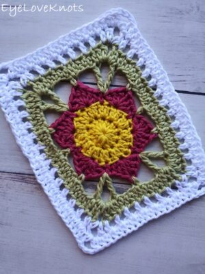 Lily's Floral Rectangle Doily by Alexandra of EyeLoveKnots