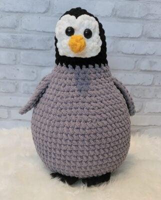 Baby Penguin Amigurumi by Lisa Ferrel/My Fingers Fly