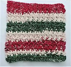Beginners Festive Dishcloth by Crochet Bags & More.
