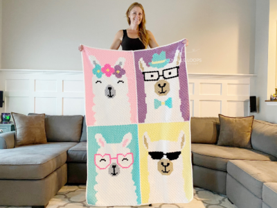 Llama Blanket by Melissa Hassler from Lovable Loops.